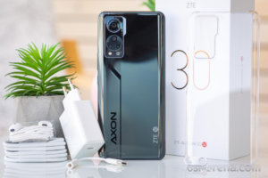 ZTE Axon 30 in for review